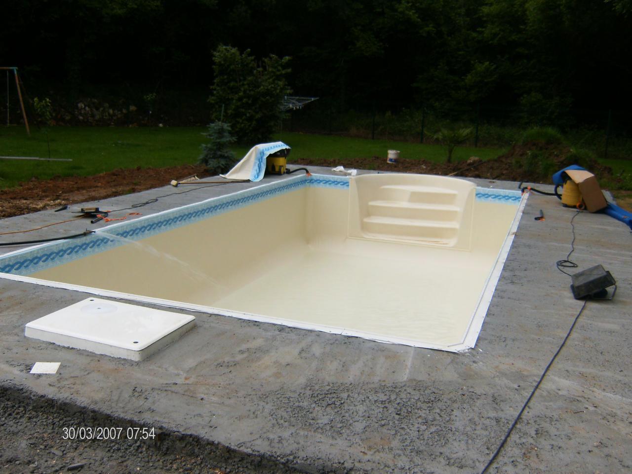 Terrassement d 39 une piscine for Terrassement piscine
